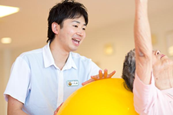 ますます活躍の場が広がる介護職
